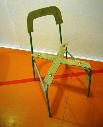 des chaises d coliers qui ont mal tourn lavieenrouge. Black Bedroom Furniture Sets. Home Design Ideas