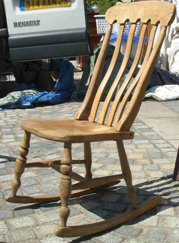 vieille chaise en bois