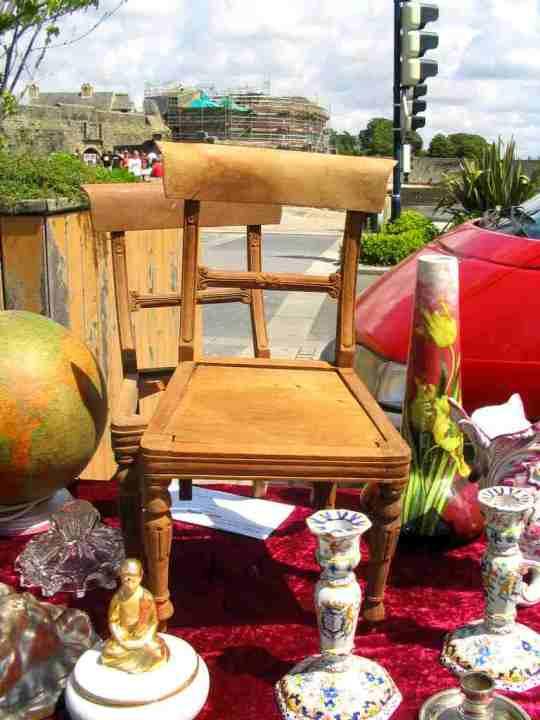 petites chaise en bois