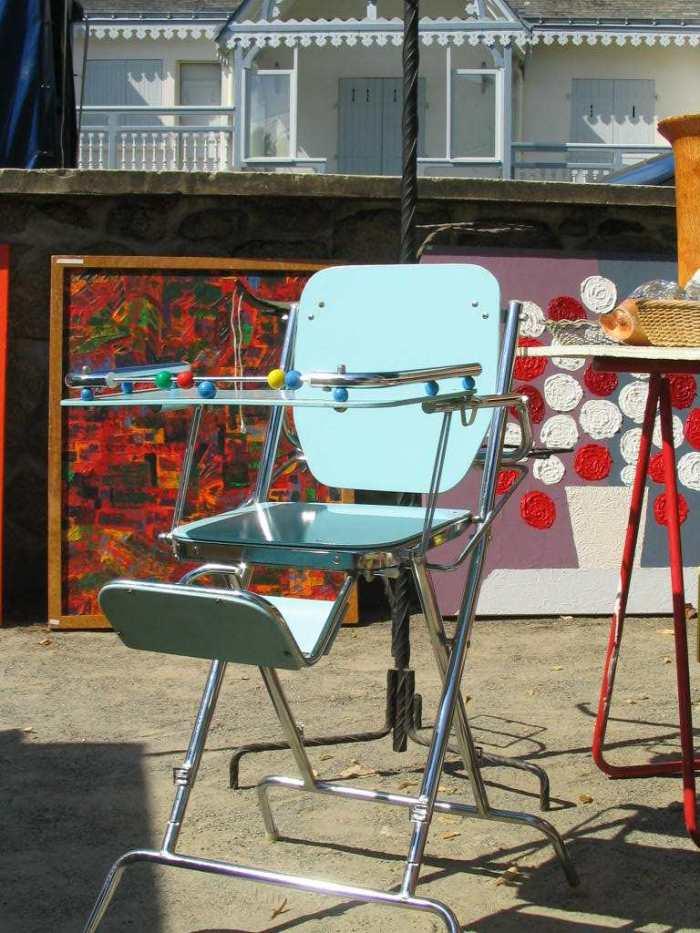 chaise de bébé ancienne